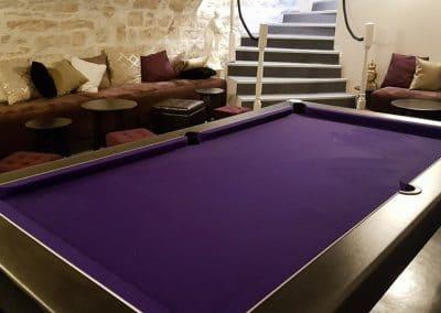 Caveau avec Billard 221B Escape Room Dijon Énigmes - Bar de style Epoque - Events, Soirées, Murder Party