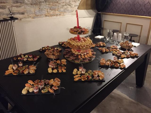 Team Building Escape Room à Dijon : Énigmes Sherlock Holmes - Bar à thème Londres Victorien - Events, Soirées, Murder Party - Réservation en ligne et au 06 31 08 79 02