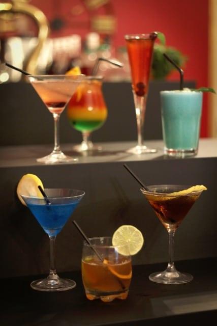 Escape Room à Dijon : Énigmes Sherlock Holmes - Bar à thème Londres Victorien - Events, Soirées, Murder Party - Réservation en ligne et au 06 31 08 79 02